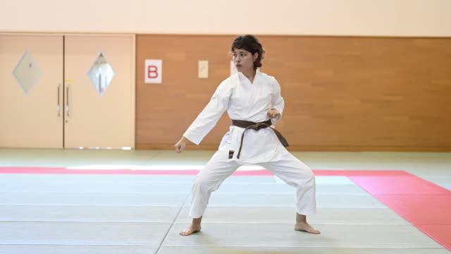 judo woman - 柔道点の映像素材/bロール