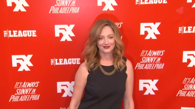 vídeos de stock, filmes e b-roll de judy greer at fxx network launch party featuring the season premiere screening of it's always sunny in philadelphia and the league on 9/3/2013 in... - judy greer
