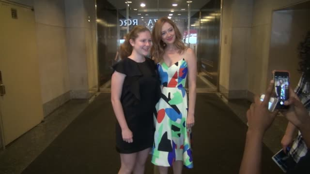 vídeos de stock, filmes e b-roll de judy greer at the 'today' show celebrity sightings in new york on july 15 2015 in new york city new york - judy greer