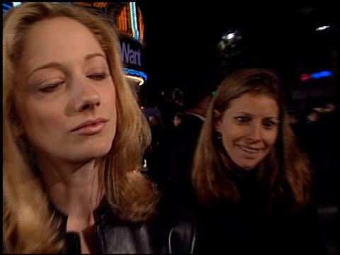vídeos de stock, filmes e b-roll de judy greer at the 'what women want' premiere at the mann village theatre in westwood california on december 13 2000 - judy greer