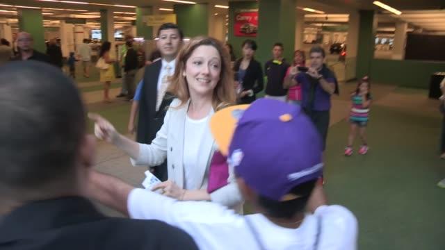 vídeos de stock, filmes e b-roll de judy greer greets fans at the way way back after party in los angeles 06/23/13 - judy greer