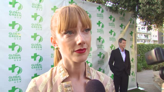 vídeos de stock, filmes e b-roll de judy greer on coming out tonight on global green and the work they do at the global green usa 14th annual millennium awards at santa monica ca - judy greer