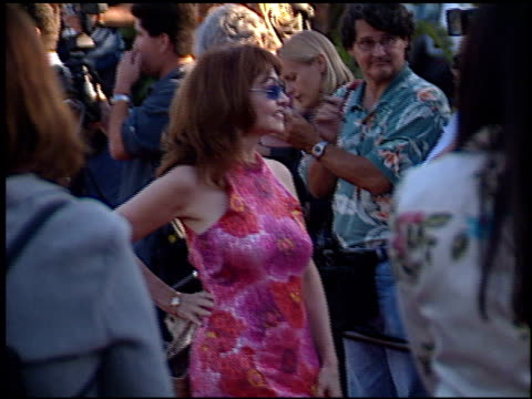 judy tenuta at the premiere of 'the score' at paramount studios in hollywood california on july 9 2001 - paramount studios stock videos & royalty-free footage