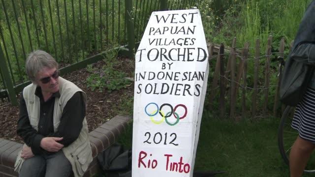 juegos olimpicos, uno de los mayores espectaculos del planetaé que no complace a todos. london, united kingdom. - planeta stock videos & royalty-free footage