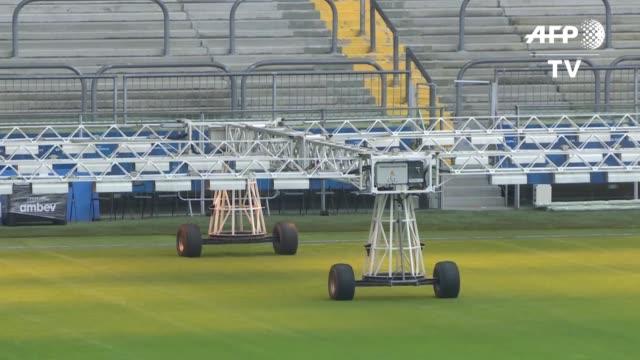 jugadores y tecnicos se han quejado del estado del cesped de algunos estadios de la copa america en brasil - südbrasilien stock-videos und b-roll-filmmaterial