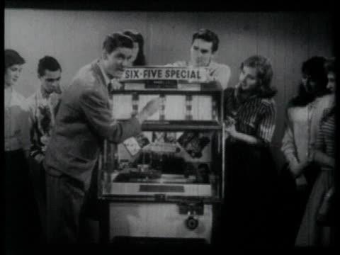 1958 montage jukebox intro to band performance  - jukebox stock videos & royalty-free footage