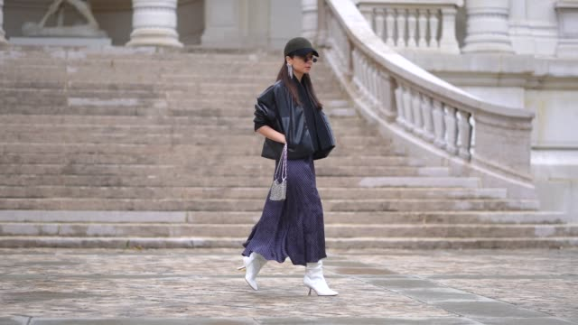 FRA: Street Style - Paris Fashion Week Womenswear Spring Summer 2021