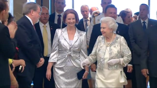 julia gillard ousted as labor leader by kevin rudd t21101123 / tx julia gillard with queen elizabeth ii introducing her to politicians at reception... - politische partei stock-videos und b-roll-filmmaterial