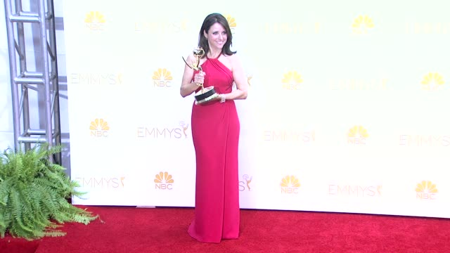 julia louis-dreyfus - 66th primetime emmy awards - photo room at nokia theatre l.a. live on august 25, 2014 in los angeles, california. - emmy awards stock-videos und b-roll-filmmaterial