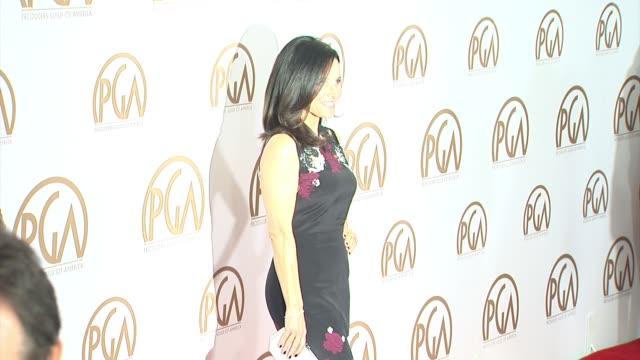 julia louisdreyfus at 26th annual producers guild awards in los angeles ca - platina bildbanksvideor och videomaterial från bakom kulisserna