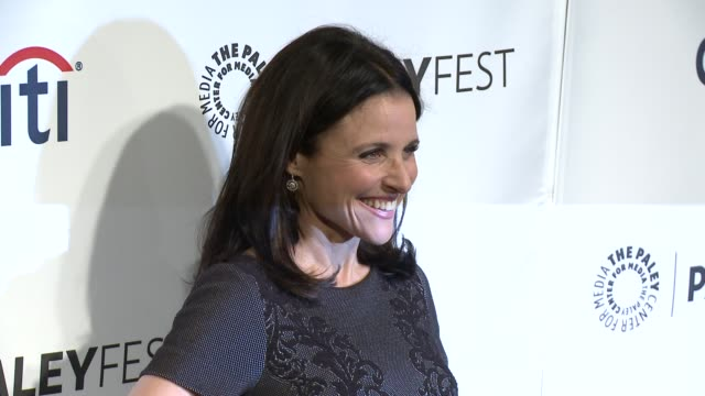 "vídeos de stock e filmes b-roll de julia louis-dreyfus at the ""veep"" panel - paleyfest 2014 at dolby theatre on march 27, 2014 in hollywood, california. - the dolby theatre"