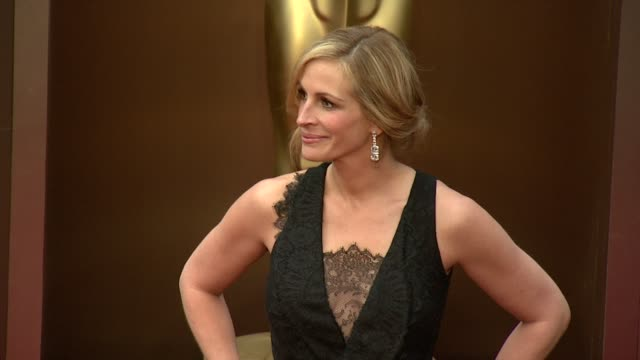julia roberts 86th annual academy awards arrivals at hollywood highland center on march 02 2014 in hollywood california - academy awards stock videos & royalty-free footage