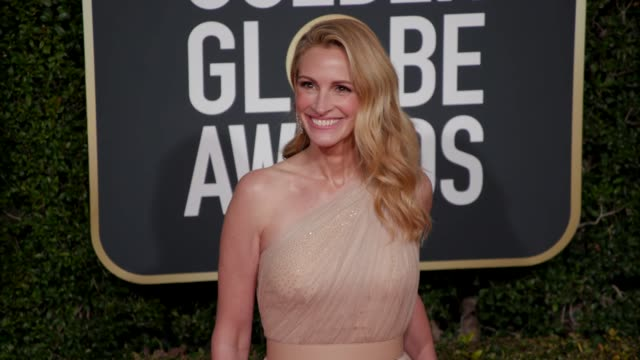 julia roberts at 76th annual golden globe awards - arrivals in los angeles, ca 1/6/19 - 4k footage - golden globe awards stock videos & royalty-free footage