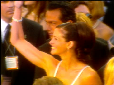 Julia Roberts at the 2001 Academy Awards at the Shrine Auditorium in Los Angeles California on March 25 2001