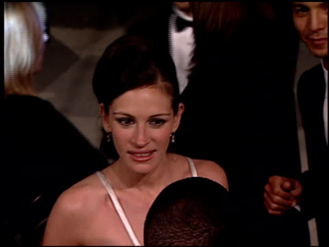 julia roberts at the 2001 academy awards vanity fair party at the shrine auditorium in los angeles, california on march 25, 2001. - julia roberts stock videos & royalty-free footage