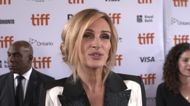 vídeos de stock, filmes e b-roll de julia roberts on how it feels to be celebrating the world premiere at tiff and what she loved about this story and working with sam esmail at ryerson... - julia roberts