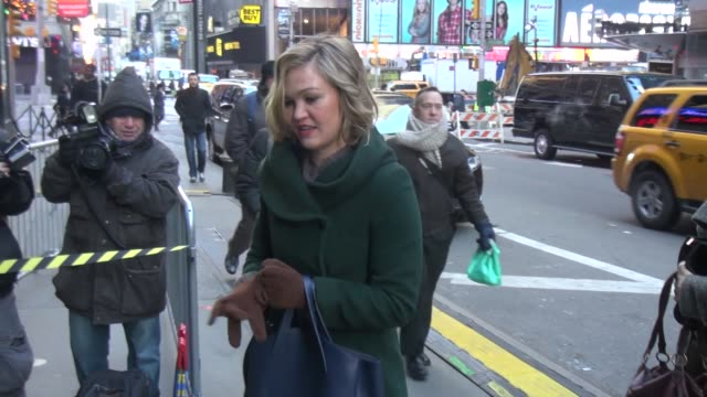 julia stiles at the 'good morning america' studio in new york ny on 1/24/13 - julia stiles stock videos and b-roll footage