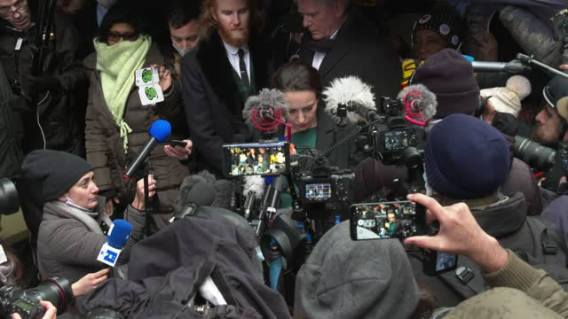 julian assange's girlfriend stella moris gives a statement to the media outside the old bailey on january 04, 2021 in london, england. district judge... - girlfriend stock videos & royalty-free footage