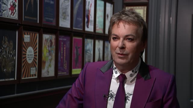 vidéos et rushes de julian clary announced as newest face on the london palladium wall of fame; england: london: int julian clary interview sot - julian clary