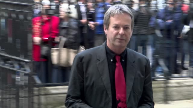 vidéos et rushes de julian clary at westminster abbey on june 07, 2017 in london, england. - julian clary