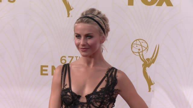 vídeos de stock e filmes b-roll de julianne hough at the 67th annual primetime emmy awards at microsoft theater on september 20, 2015 in los angeles, california. - microsoft theater los angeles