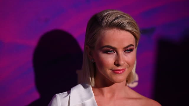 stockvideo's en b-roll-footage met julianne hough at the people & entertainment weekly 2019 upfronts at union park on may 13, 2019 in new york city . - entertainment weekly