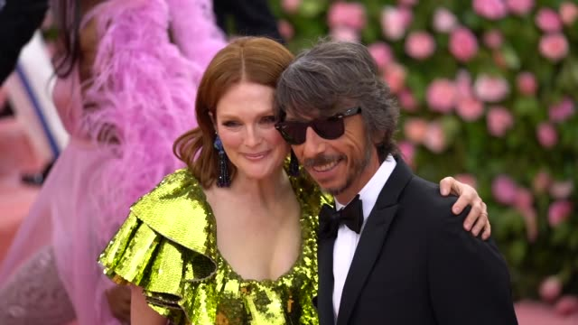 julianne moore and pier paolo piccioli at the 2019 met gala celebrating camp notes on fashion arrivals at metropolitan museum of art on may 06 2019... - met gala 2019 stock videos and b-roll footage