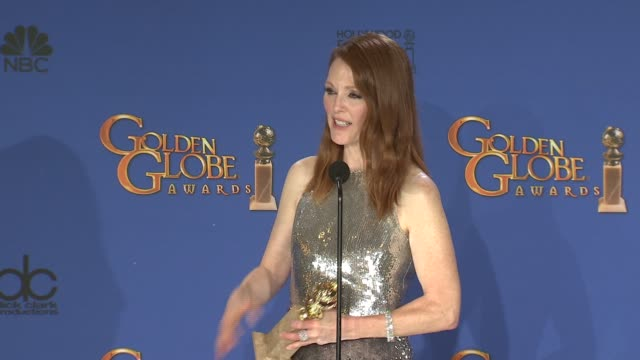 julianne moore at the 72nd annual golden globe awards - press room at the beverly hilton hotel on january 11, 2015 in beverly hills, california. - ジュリアン・ムーア点の映像素材/bロール