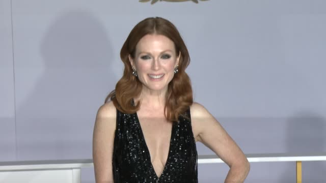 """julianne moore at """"the hunger games: mockingjay - part 1"""" los angeles premiere at nokia theatre l.a. live on november 17, 2014 in los angeles,... - ジュリアン・ムーア点の映像素材/bロール"""