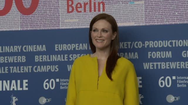 julianne moore at the the kids are alright press conference: 60th berlin film festival at berlin . - ジュリアン・ムーア点の映像素材/bロール