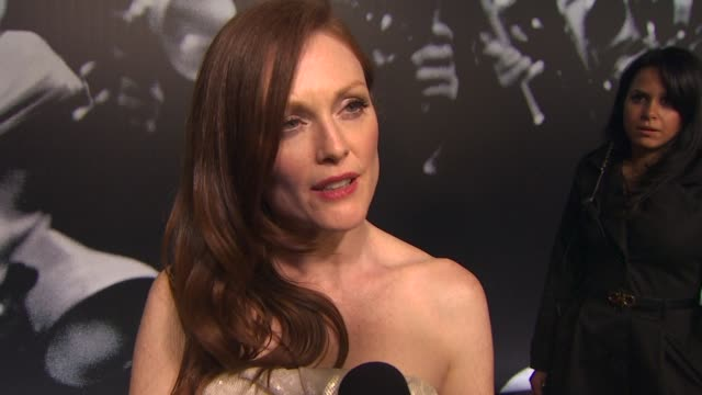 julianne moore on the best speeches at the oscars and how she gets ready for oscar night at the 2010 vanity fair oscar party hosted by graydon carter... - graydon carter stock videos and b-roll footage