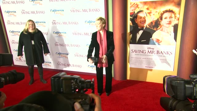 """julie andrews at """"saving mr. banks"""" los angeles premiere in burbank, ca, on 12/9/2013. - julie andrews stock videos & royalty-free footage"""