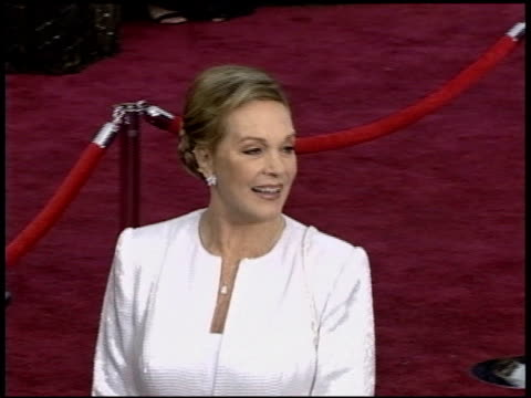 julie andrews at the 2004 academy awards arrivals at the kodak theatre in hollywood, california on february 29, 2004. - the dolby theatre stock videos & royalty-free footage