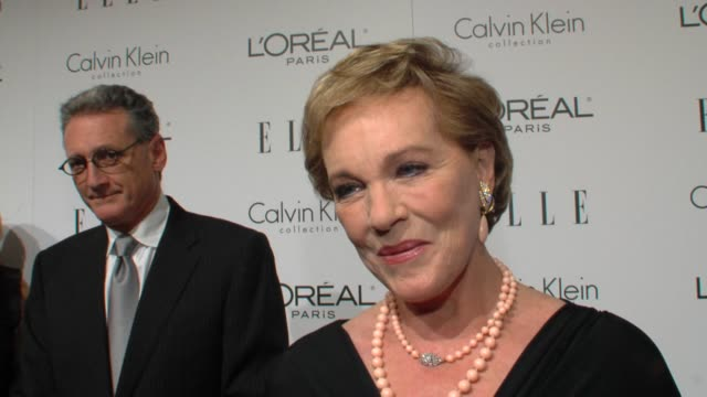 julie andrews on being honored, on others looking up to her, on obstacles in her career and great joys in her career. at the elle's 16th annual women... - julie andrews stock videos & royalty-free footage