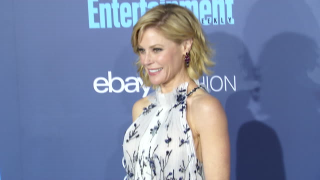 julie bowen at 22nd annual critics' choice awards in los angeles ca - julie bowen stock videos and b-roll footage