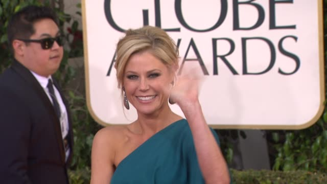 julie bowen at 70th annual golden globe awards arrivals 1/13/2013 in beverly hills ca - julie bowen stock videos and b-roll footage