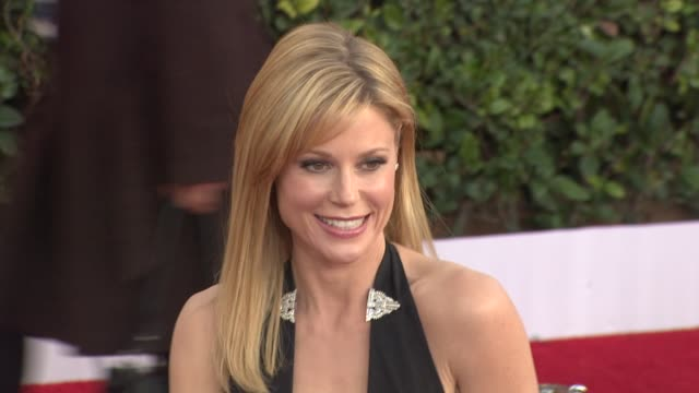 julie bowen at the 17th annual screen actors guild awards arrivals part 2 at los angeles ca - julie bowen stock videos and b-roll footage