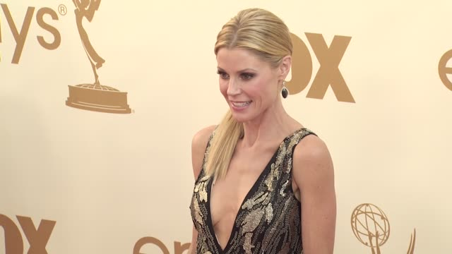 julie bowen at the 63rd primetime emmy awards arrivals part 2 at los angeles ca - julie bowen stock videos and b-roll footage