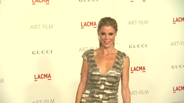 julie bowen at the lacma hosts inaugural art film gala honoring clint eastwood and john baldessari presented by gucci at los angeles ca - julie bowen stock videos and b-roll footage
