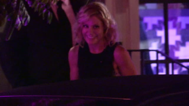 julie bowen departing the variety and women in film pre emmy at party gracias madre in los angeles in celebrity sightings in los angeles - pre emmy party stock-videos und b-roll-filmmaterial