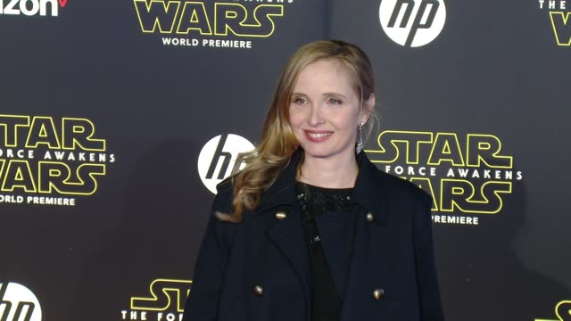 """julie delpy at the """"star wars: the force awakens"""" world premiere at tcl chinese theatre on december 14, 2015 in hollywood, california. - teatro cinese tcl video stock e b–roll"""