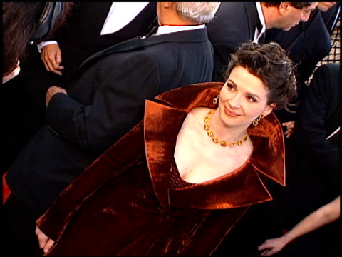 juliette binoche at the 1997 academy awards arrivals at the shrine auditorium in los angeles california on march 24 1997 - academy awards stock videos & royalty-free footage