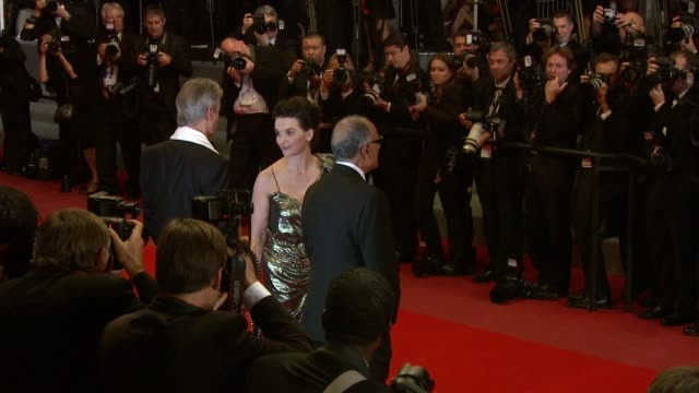 juliette binoche at the copie conforme red carpet: cannes film festival 2010 at cannes . - juliette binoche stock videos & royalty-free footage