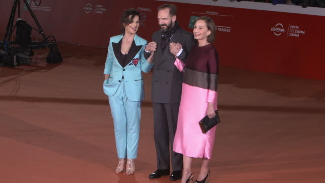 juliette binoche, ralph fiennes, kristin scott thomas, paul zaentz, julian wadham at 'the english patient - il paziente inglese' red carpet - 11th... - the english patient film title stock videos & royalty-free footage