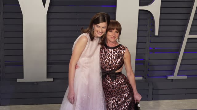vidéos et rushes de juliette lewis and guest at 2019 vanity fair oscar party hosted by radhika jones at wallis annenberg center for the performing arts on february 24... - juliette lewis