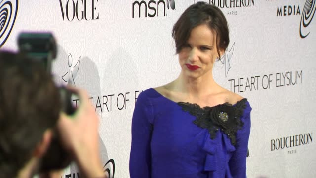 juliette lewis at the the art of elysium's 3rd annual black tie charity gala 'heaven' at beverly hills ca. - juliette lewis stock videos & royalty-free footage