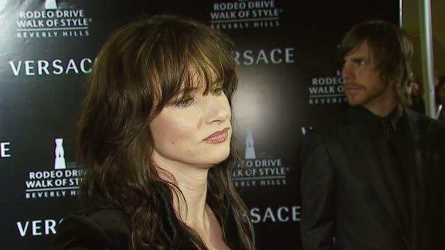 Juliette Lewis on Anna Nicole Smith's death and the event at the Rodeo Walk of Style Award Presentation to Gianni and Donatella Versace at Beverly...