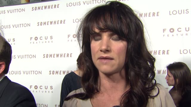 juliette lewis on being here to support stephen, on sofia coppola's filmmaking style at the 'somewhere' premiere at hollywood ca. - juliette lewis stock videos & royalty-free footage