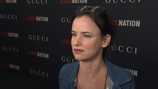 juliette lewis on fashion and music. at the gucci & rocnation pre-grammy brunch at west hollywood ca. - juliette lewis stock videos & royalty-free footage