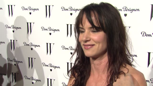 vidéos et rushes de juliette lewis on what brings her out tonight at the w magazine celebrates the best performances issue and the golden globe awards at los angeles ca - juliette lewis